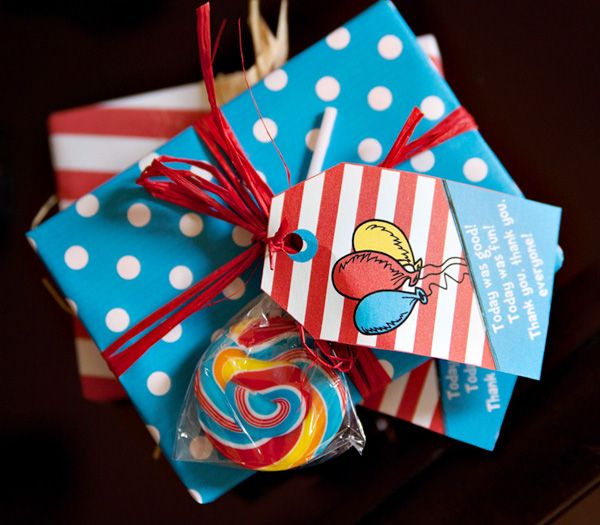 Dr. Seuss party ideas: Gifts Bags, Goodies Bags, Party'S, Birthday Parties, Seuss Parties, Parties Favors, Seuss Birthday, Parties Ideas, Dr. Seuss