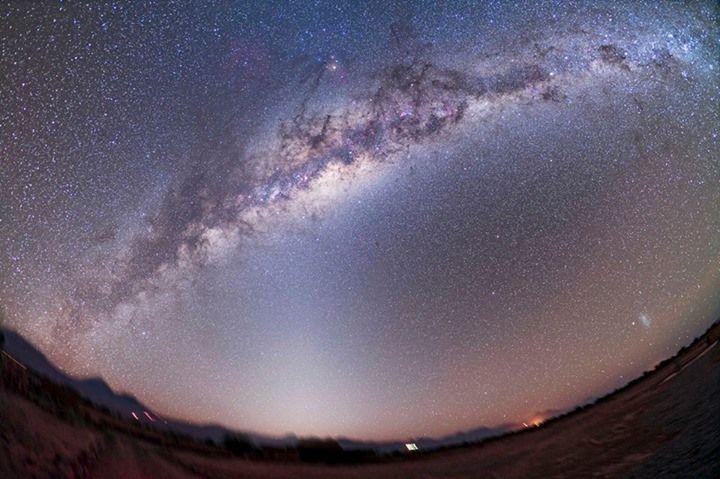 #Spettacoli #notturni: le #notti #stellate nel #deserto del #Cile in #timelapse... #stelle #universo #cielo #notte