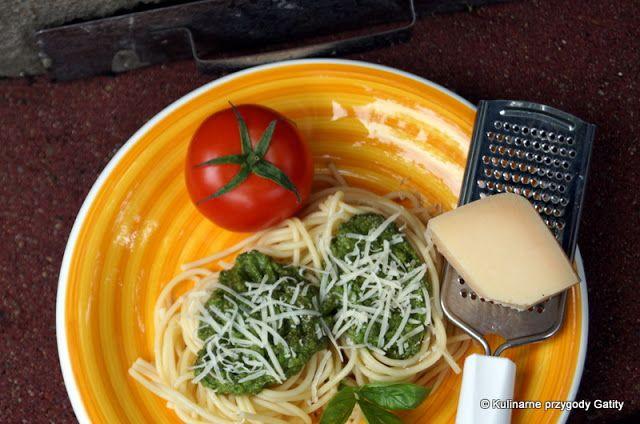 Kulinarne przygody Gatity: Makaron ze szpinakowym pesto