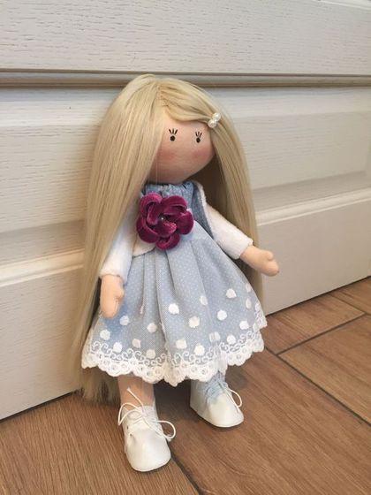 Купить или заказать Текстильная интерьерная кукла в интернет-магазине на Ярмарке Мастеров. Текстильная интерьерная куколка станет стильным украшением любой комнаты. Изготовлена из экологичных материалов. Сделана с любовью.