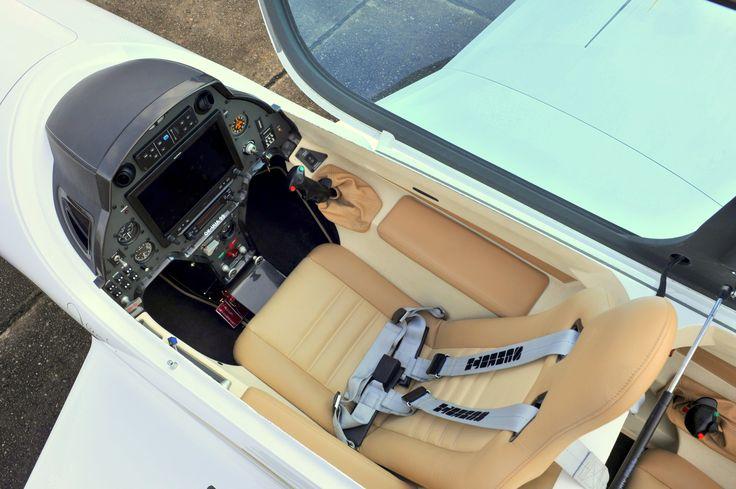 #stream #aircraft #sidestick #front #cockpit #garmin #g3x #pilot #seat #fighterfeeling #jeppesen