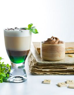 Callebaut - flOat away - http://www.callebaut.com/plpl/receptury/czekoladowe-drinki/float-away  #callebaut #czekoladadopicia #czekoladanagoraco #hotchocolate