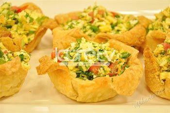 Milföy Çanağında Yumurtalı Peynir Salatası