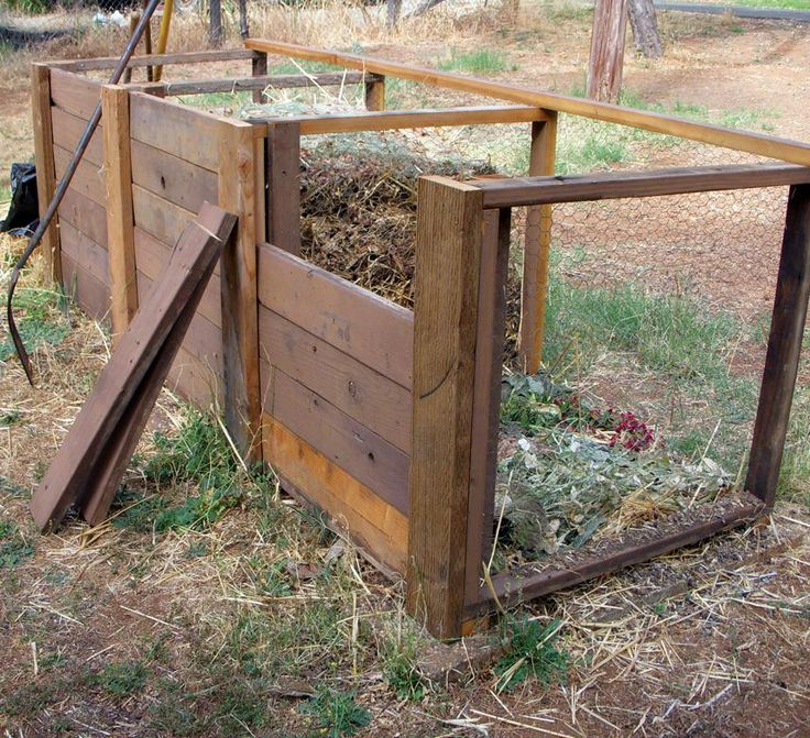 Usng old deck wood to make a great threebin compost