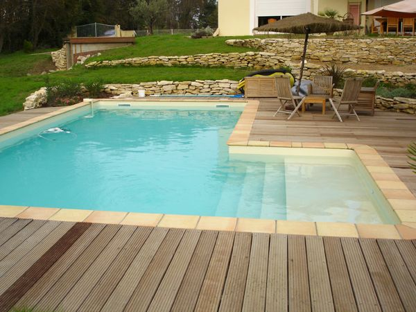13 best Piscines à formes libres images on Pinterest Swimming - construire sa piscine beton