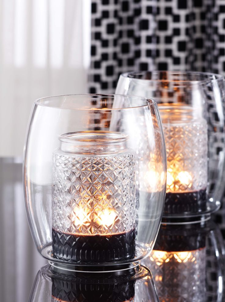 Gold Canyon Chimney with our signature Heritage diamond light candle