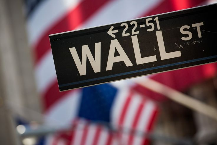Dow Jones industrial average reaches new high, tops 20,000 level for first time