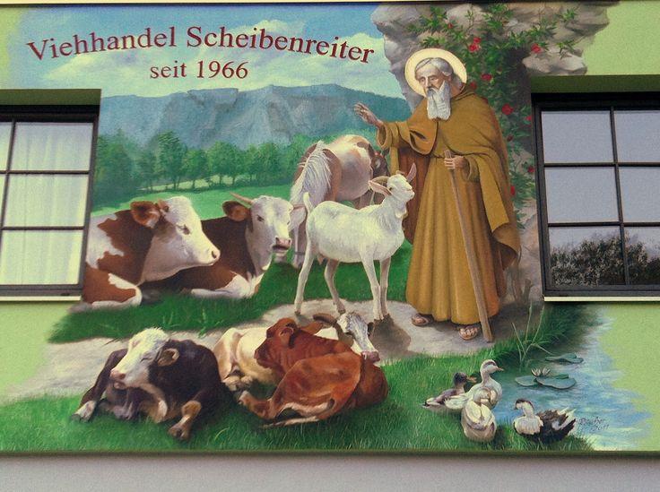 Fassadenmalerei Sankt Leonhard, Schutzpatron der Haus- und Hoftiere