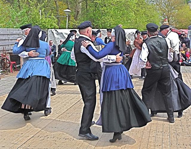 The Terschellinger Folk Dance Groupe. by techneut77, via Flickr #Terschelling