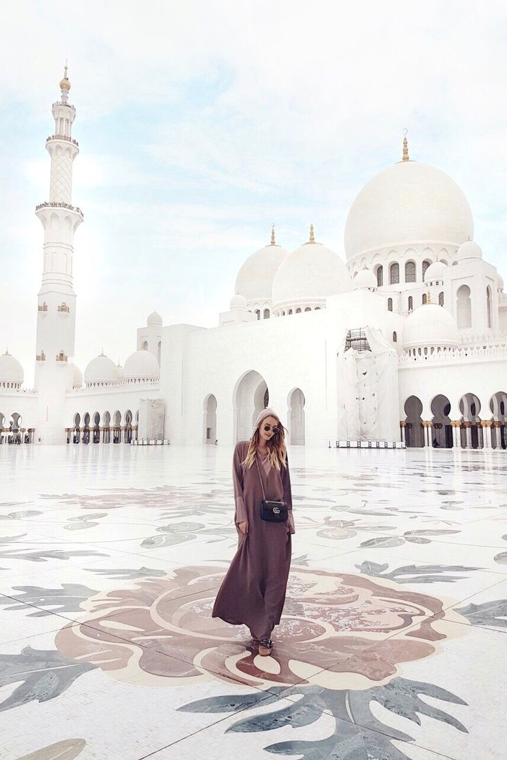 Skeikh Zayed Grand Mosque I Abu Dhabi: http://www.ohhcouture.com/2017/03/monday-update-47/ #leoniehanne #ohhcouture