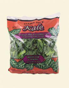 Trader Joe's Kale in 10 ounce bags for $1.99 トレーダージョーズのケール こちらを使ったレシピは http://traderjoesgohan.com/turkey-kale-and-brown-rice-soup/