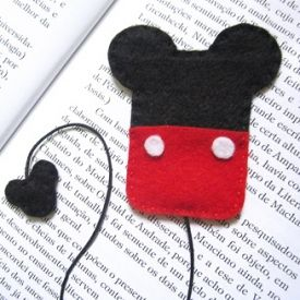 Make yourself cute Minnie & Mickey bookmarks.