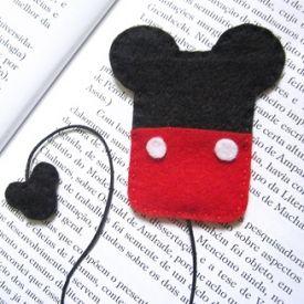 Make yourself cute Minnie & Mickey bookmarks.
