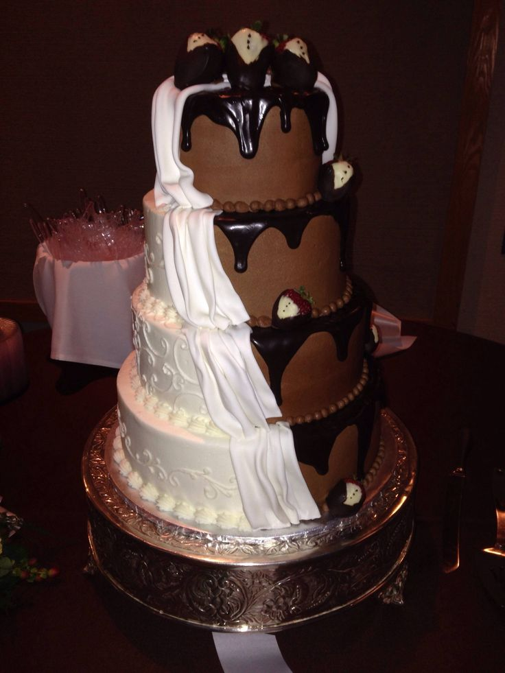 half chocolate and vanilla wedding cake 17 best images about wedding cake chocolat vanille on 15049