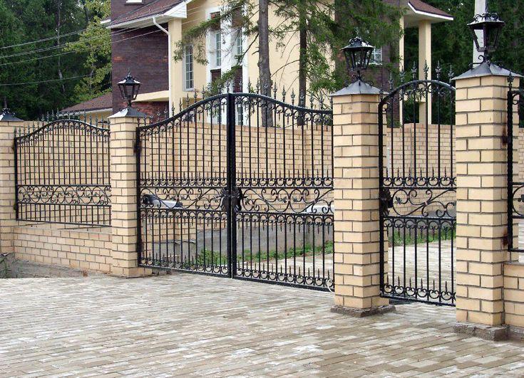 Кирпичный забор (65 фото): надежность, безопасность, эстетика - HappyModern