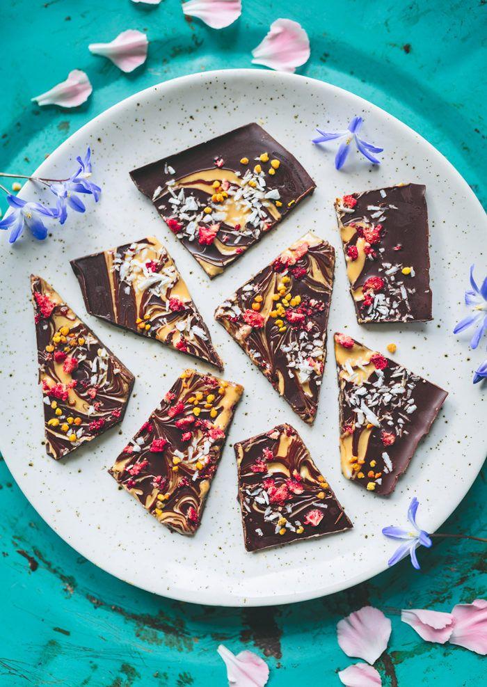 Chocolate + peanut butter + topping <3 Choklad med jordnötsswirl - Evelinas Ekologiska