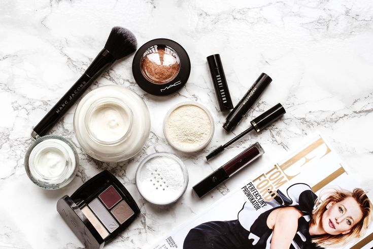 #beauty #products #nevershare #flatlay #mascara #eyeshadows #elle #cream #lioton #fluid #makeup #mac #avon #dior #vichy #bobibrown #marcjacobs #inglot #brands #marks