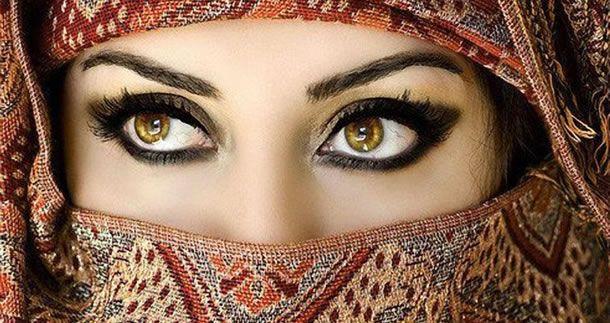olhos - eyes - look Muitas pessoas gostariam de ter olhos claros, outras acham lindos olhos azuis, mas você sabe quais são as cores de olhos mais raras do mundo ?