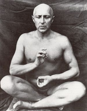 František Drtikol [1885-1961] Drtikol při meditaci
