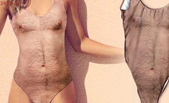 Bizarní hit léta: Dámské plavky s chlupatou mužskou hrudí! Koupili byste si je?