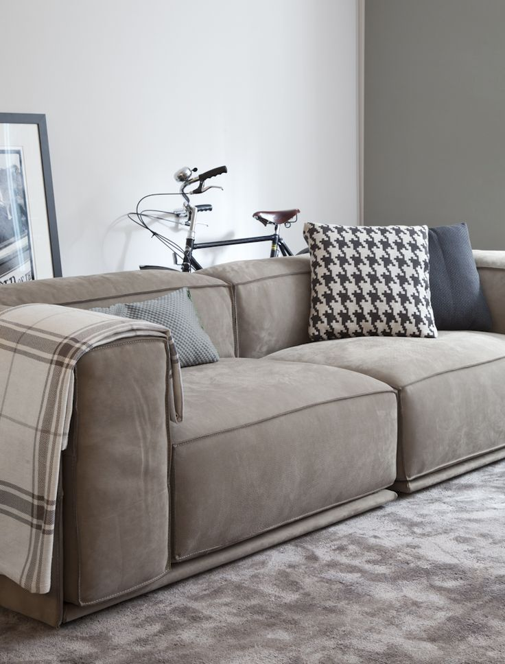 Manarola 2 seater by ligne roset   sofas   design at stylepark ...