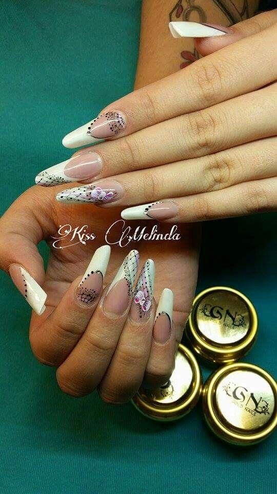 Kiss Melinda munkája.. Gold Nails alapanyagokkal..