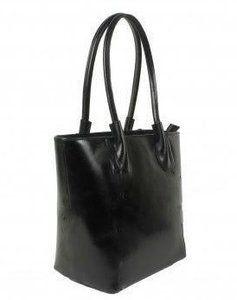 Zwarte leren tas   De tas is gemaakt van mooi glad kalfsleer en heeft een luxe uitstraling. De tas heeft van binnen diverse vakjes, de tas is af te sluiten met een rits. Aan onderzijde heeft de ta...