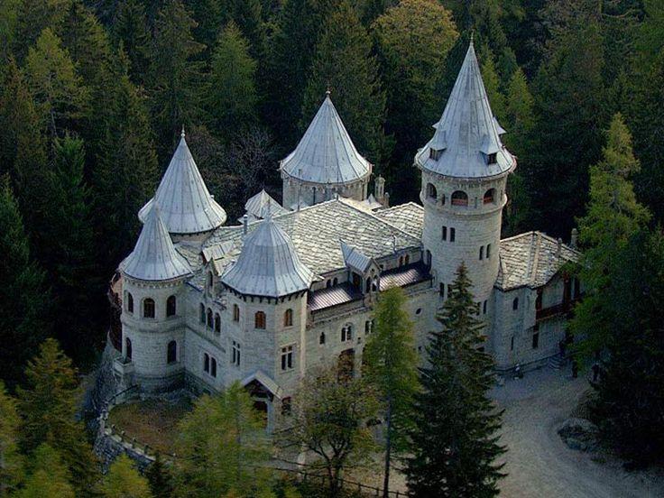 Valle d'Aosta - Castel Savoia