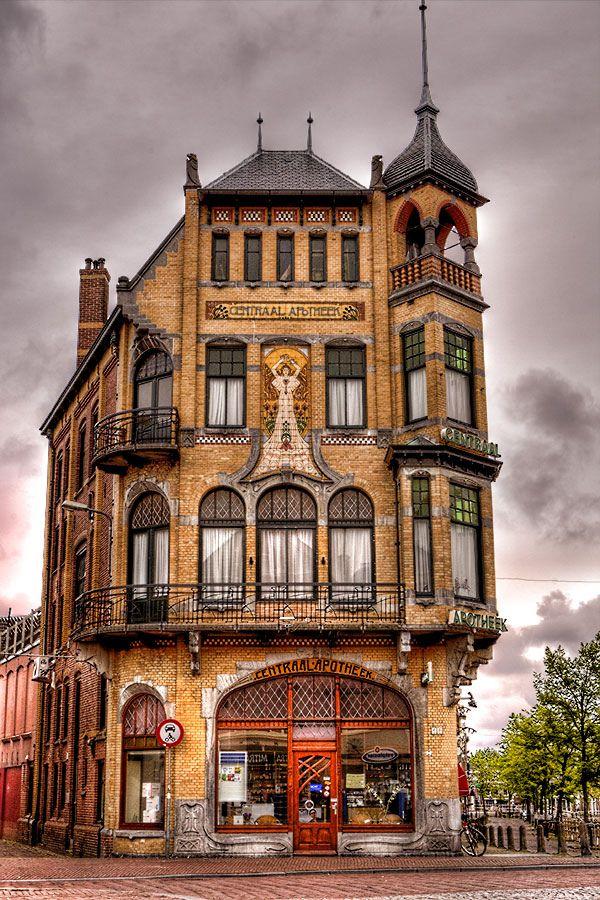 Artnoveau building by architect g b broekema 1905 de - Art nouveau architecture de barcelone revisitee ...