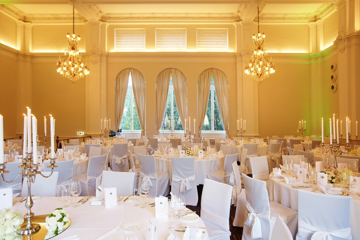 Hochzeitslocation Baden-Baden LA8 Baden-Württemberg Kristallsaal Club Kronleuchter Wedding Festsaal