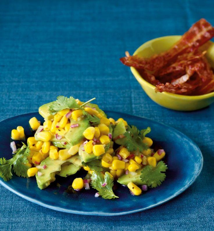 Knusprig gebratener Speck macht's herrlich würzig. Veggies ersetzen ihn durch Tortilla-Chips.