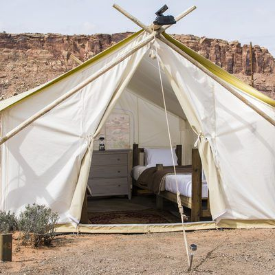 Moab is no ordinary destination. So don't settle for ordinary lodging. Top off your extraordinary visit to Moab by glamping outdoors with Under Canvas®.