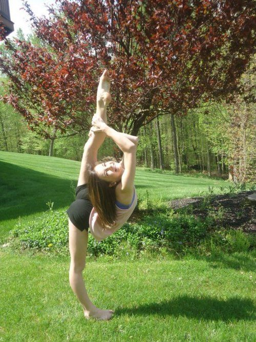 Brooke Hyland from dance moms..she is ridiculously flexible