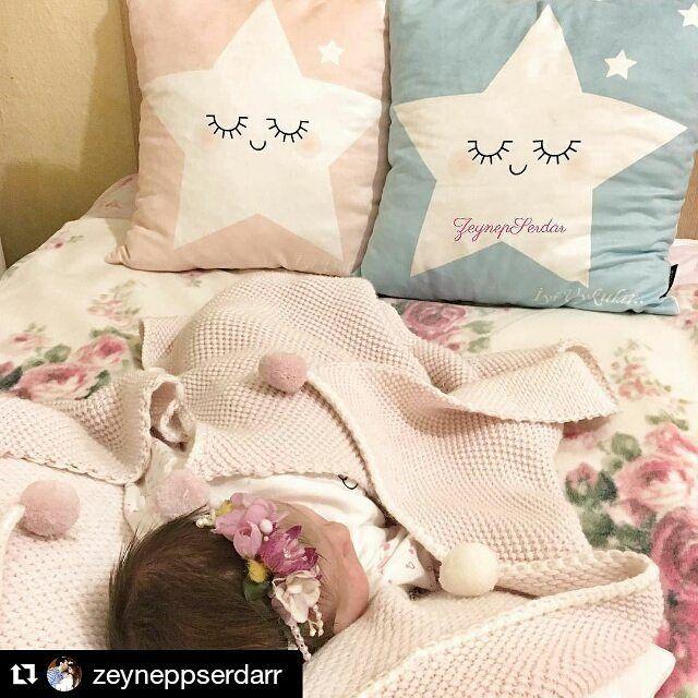 Mira  bebeğimiz #baharmasalı koleksiyonunun yıldızları ile uykuya dalmış.. #cipcici #cipcicicom #kırlent #yastık #cushions #pillow  #Repost @zeyneppserdarr with @repostapp ・・・ Mutlu akşamlar herkeseee Akşam mesaimiz başlıyor kızımla Taçımız @taccollection  #senbenimmisin #balkızım #mutluyumçünkü #maşallahkızıma