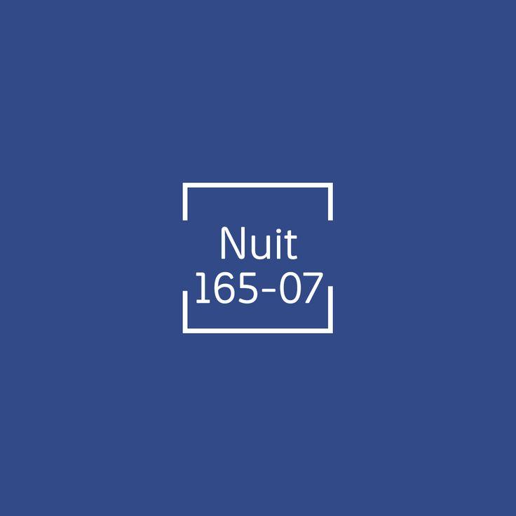 Los tonos azules son estupendos para darle un nuevo aspecto a tu sala.