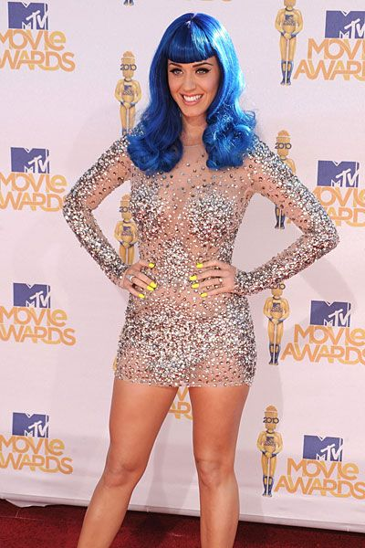 Google Image Result for http://img.ezinemark.com/imagemanager2/files/30006024/2011/10/2011-10-17-16-49-55-4-the-katy-perry-costume-wigs-inspired-by-the-music.jpeg