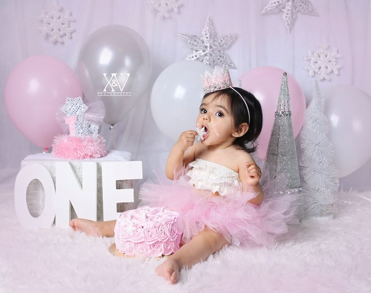 Best 25 1st birthday cakes ideas on pinterest baby for Baby girl first birthday decoration ideas