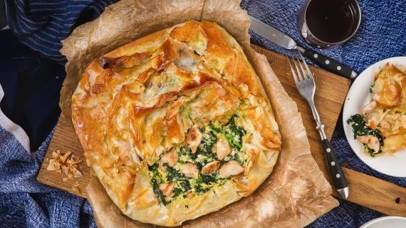 Пирог с индейкой и шпинатом из теста фило, пошаговый рецепт с фото