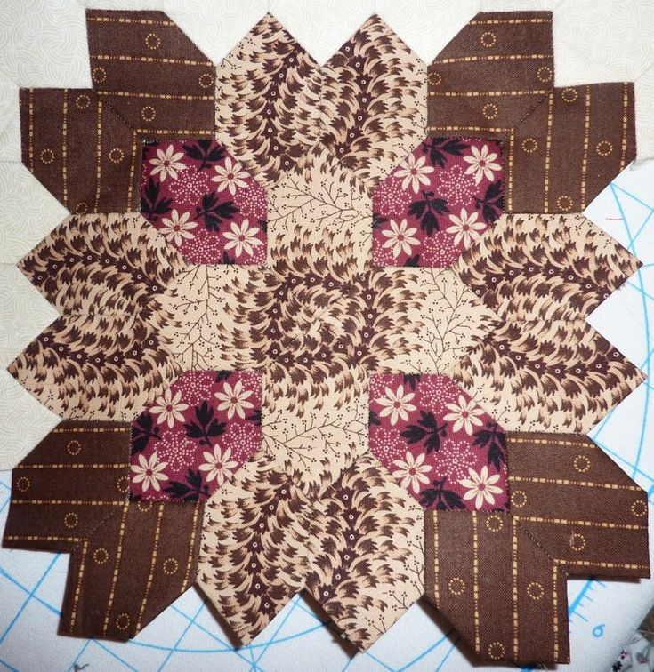 Lucy Boston Patchwork Of The Crosses- Kit 16