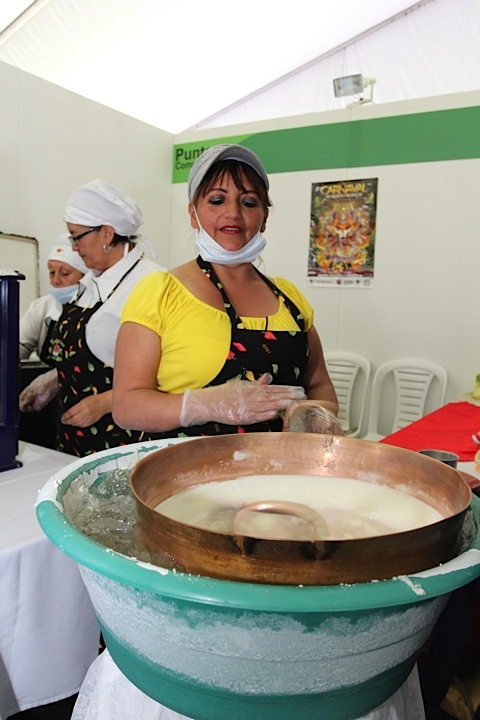 Helado tradicional de paila. Crédito Milton Ramírez (@FOTOMILTON) MinCultura 2012.