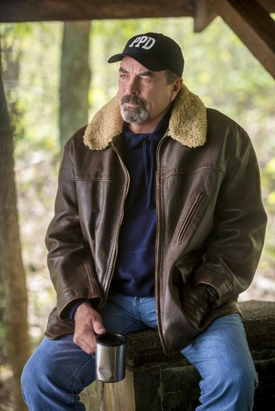 Reminder for Tom Selleck fans! This Sunday, October 18, Hallmark Channel will premiere JESSE STONE: LOST IN PARADISE. This will be the 10th anniversary installm