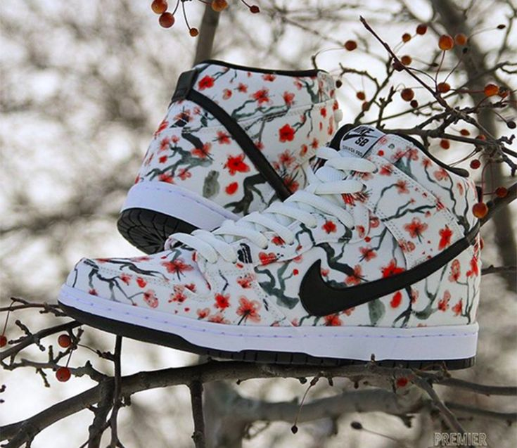 "Nike SB Dunk High ""Cherry Blossom"""