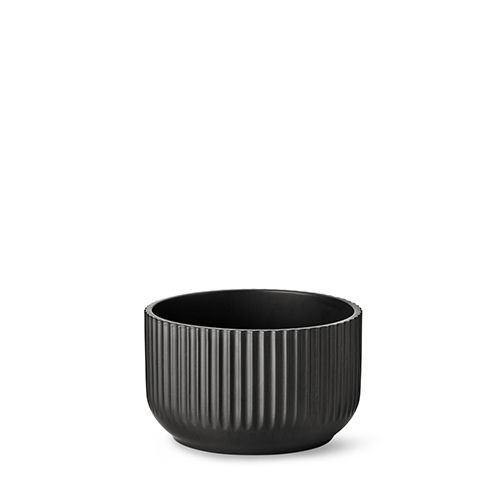 Our 17 cm original Lyngby bowl in matt black porcelain.