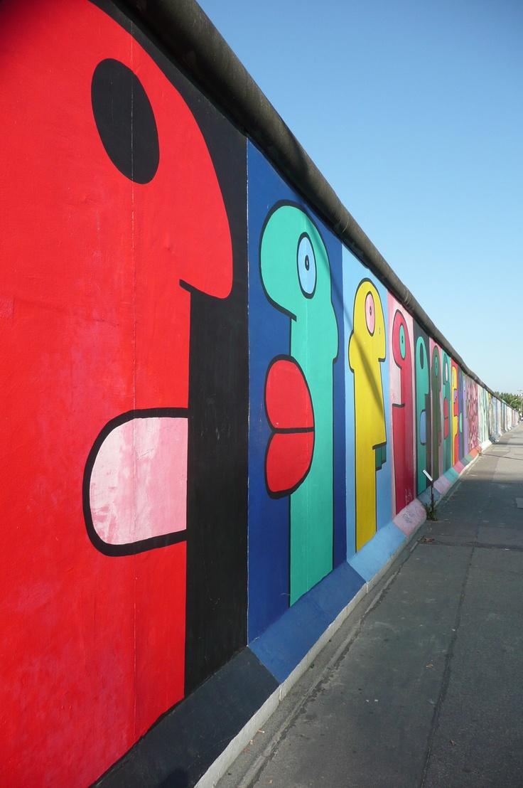 Ein Blick: East Side Gallery Berlin Est-ce que vous connaissez le Studio Vidéo Mobile, regardez notre video :) http://studiocigale.fr/films/?catid=1&slg=4