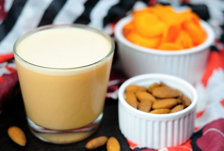 Mandlovo-mrkvové mléko
