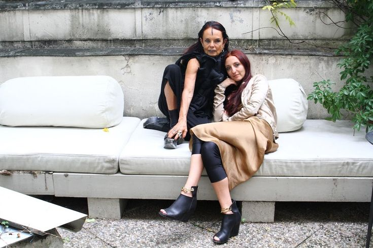 Bewitching People: Michele Lamy & Scarlett Rouge....Michele Lamy..her ways, her style, her beauty is indeed bewitching..love it..inspiration