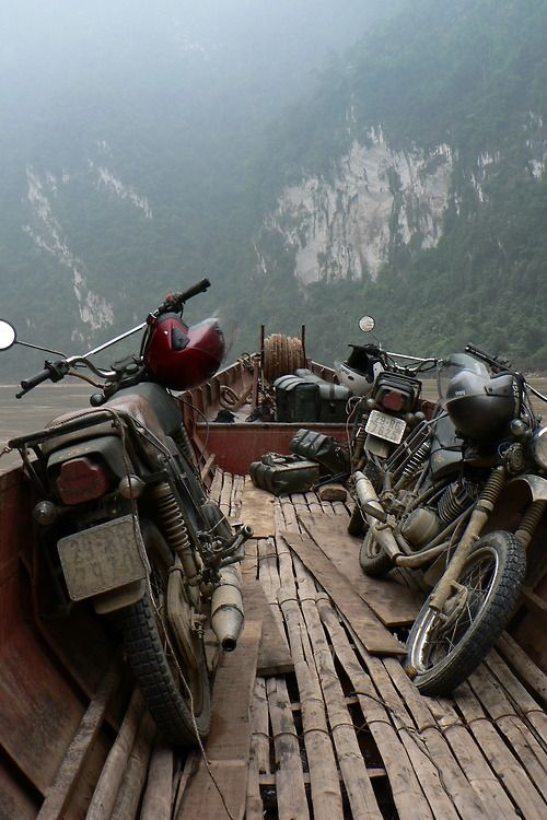Minsks in the Đà River Gorge| Glenn Phillips