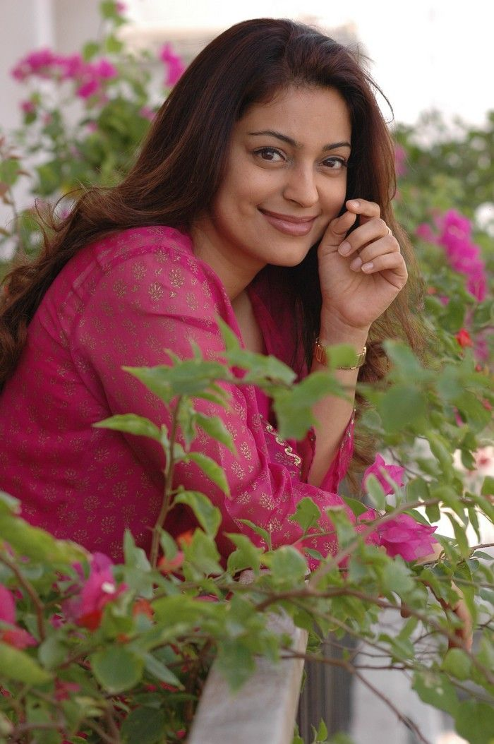 Juhi Chawla #Style #Bollywood #Fashion #Beauty
