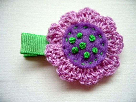 Crochet Hair Clip Ideas : Crochet Holiday Hair Clip Ideas on Pinterest Crochet hair clips ...
