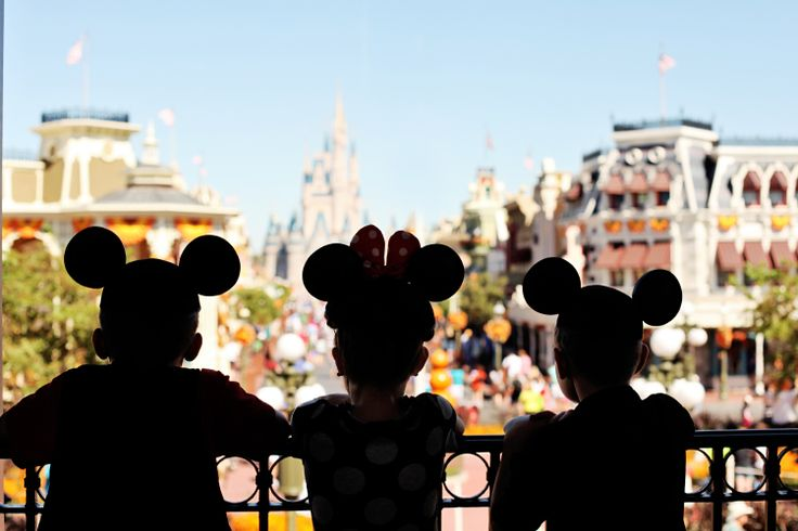 Disney Family Photo Shoot #waltdisneyworld #disney #mainstreetusa